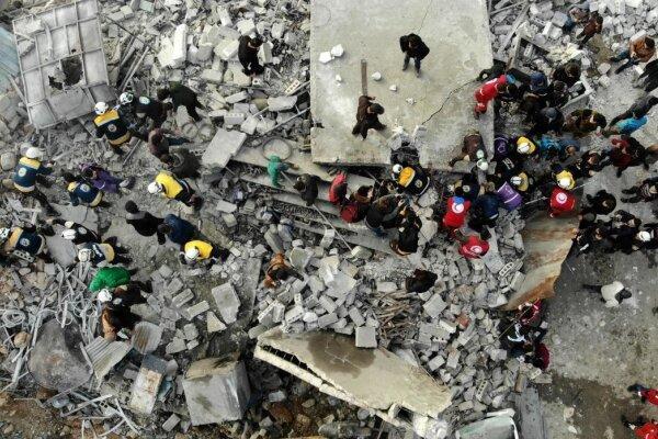 حمله شورشیان مسلح به نظامیان سوریه در ادلب، دهها نظامی کشته شدند