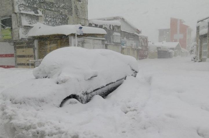 برف و زلزله گرفتاری این روز های گیلانی ها ، عملکرد ضعیف مدیریت بحران استان در حوادث مترقبه