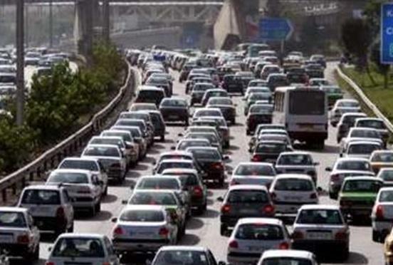ترافیک در 5 محور خروجی تهران سنگین است