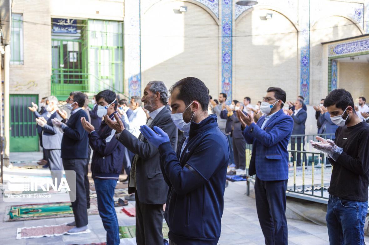 خبرنگاران نماز عید فطر در چهارمحال و بختیاری اقامه شد