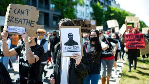 خبرنگاران کمیسیون حقوق بشر خواهان توقف استفاده از فناوری تشخیص چهره در اعتراضات شد