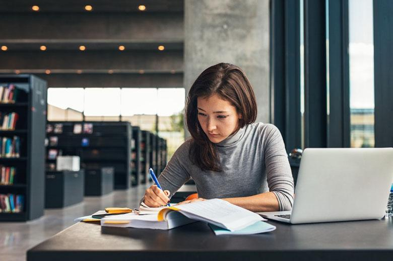 چگونه یادداشت درسی و یا کاری عمیق تر و کاربردی تر برداریم؟ تکنیک های یادداشت برداری