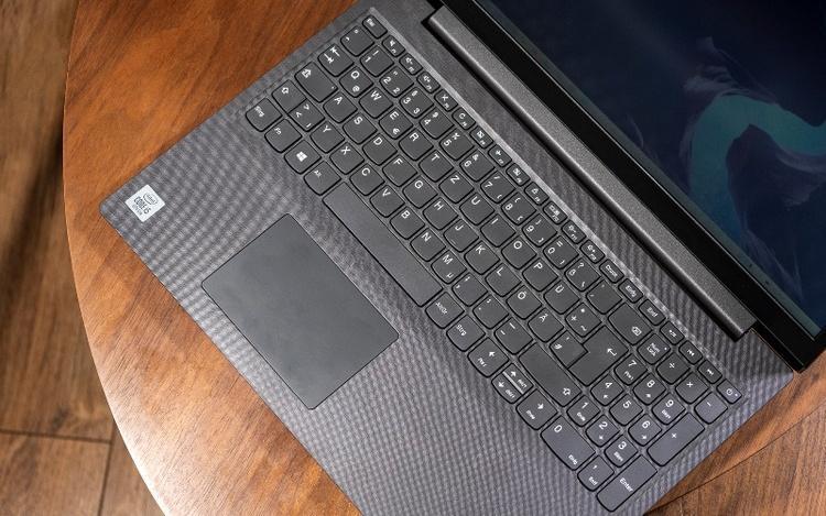 Lenovo V15؛ چهار نکته درباره لپ تاپ 20 میلیونی لنوو