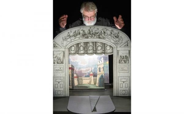 پیغام آلن لکوک پدر تئاتر کاغذی به دبیر خانه مسابقه مجازی تئاتر کاغذی