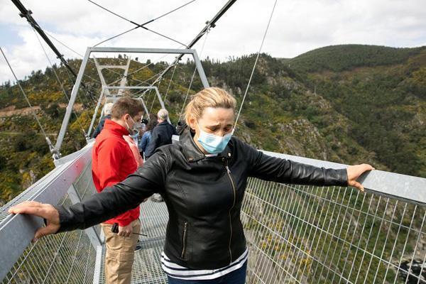 طولانی ترین پل معلق در دنیا (تصاویر)