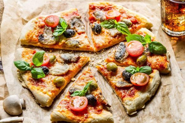 طرز تهیه پیتزای سبزیجات؛ منهای سوسیس و کالباس!